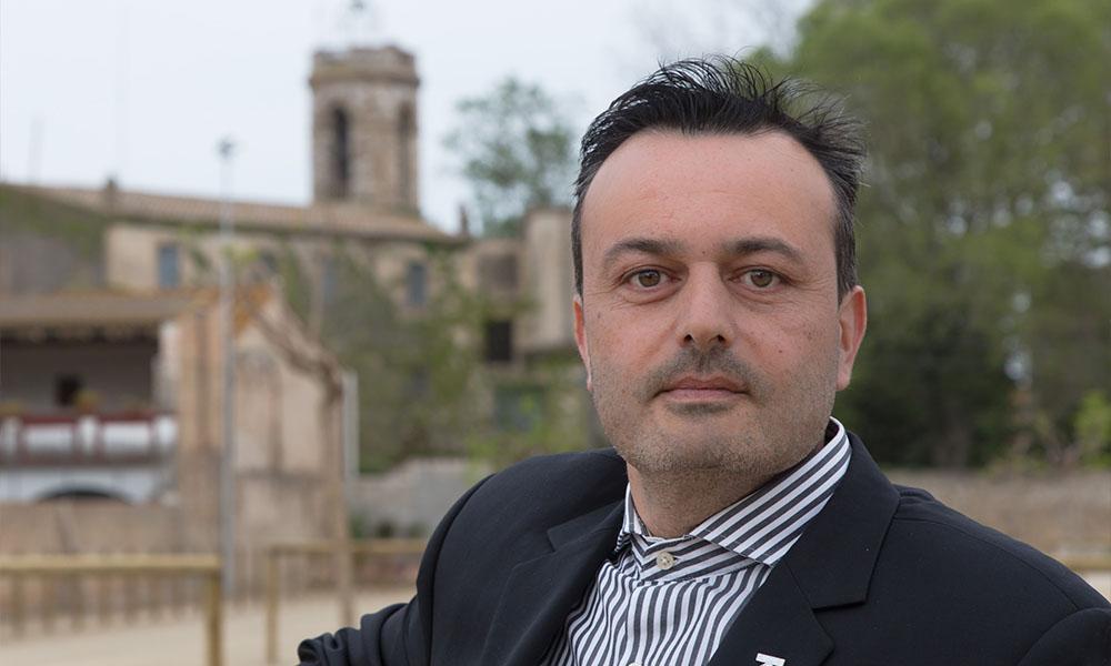 """Àlex Hernàndez: """"Volem plantejar un futur atractiu a la gent que vulguin viure i treballar a Cabanes"""""""